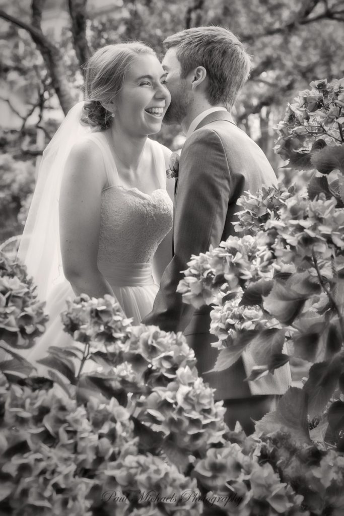 Bride and groom at the Botanical gardens