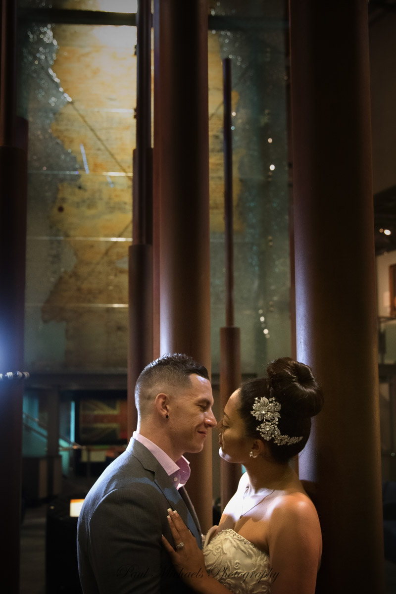 wedding couple at the museum