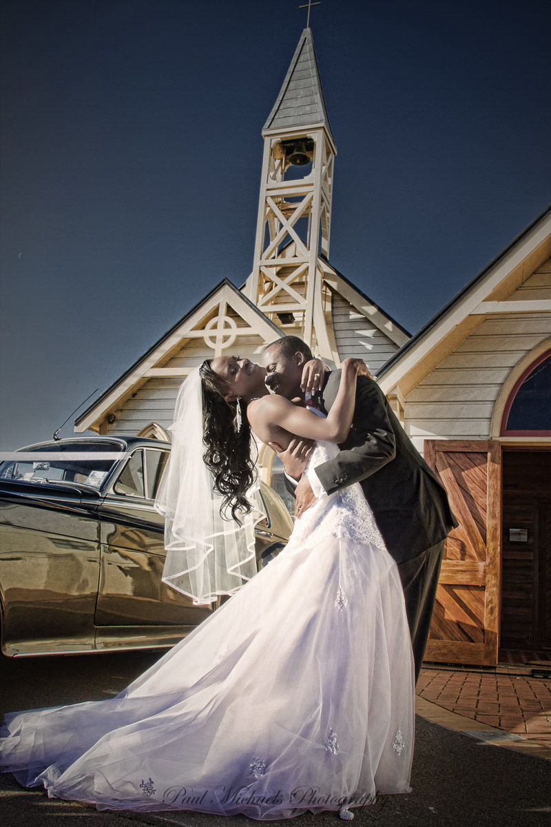 Dramatic kiss at Mount Victoria