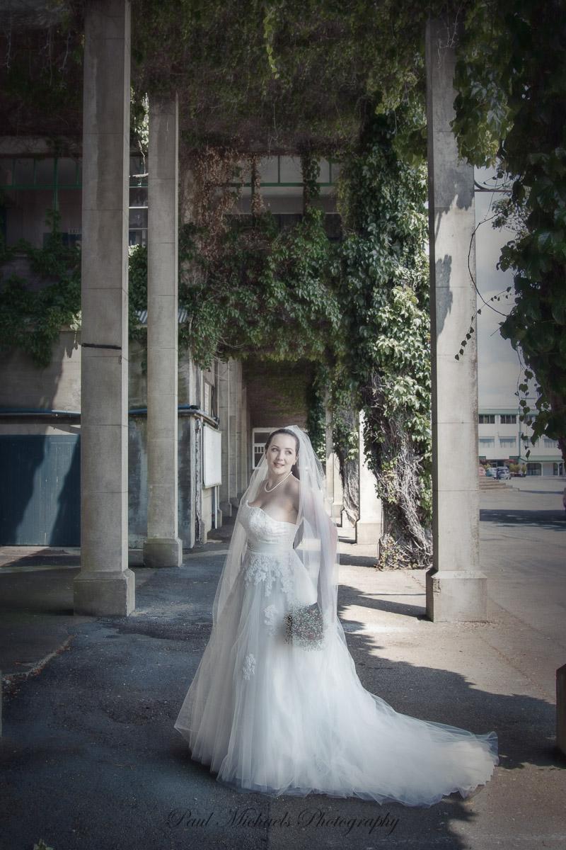 Bride at the racecourse